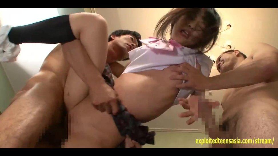 hombres gay follar niña asiatica