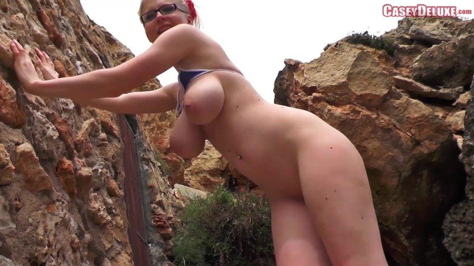 Madura milf amateur con cuerpo de gimnasio nos enseña su culo