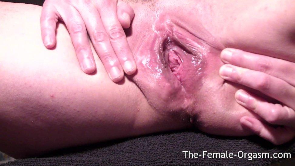 Latina se masturba y tiene múltiples corridas de semen grabadas con su cam
