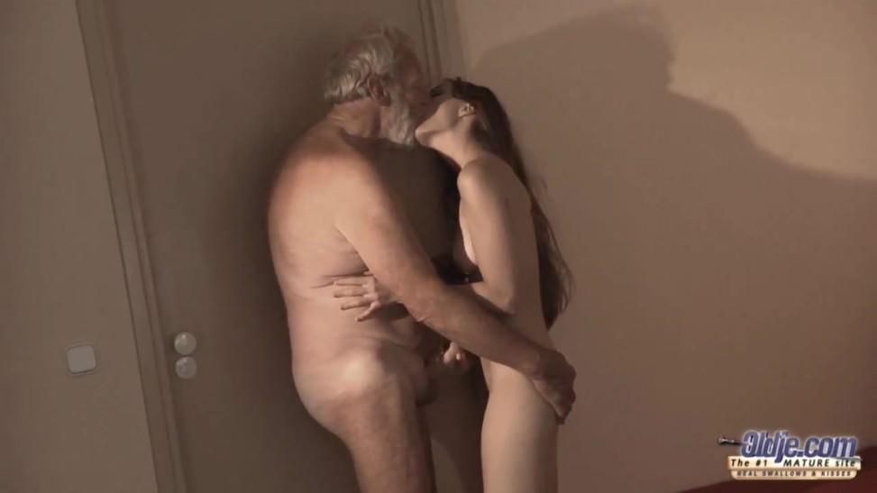 смотреть порно онлайн огромные дырки