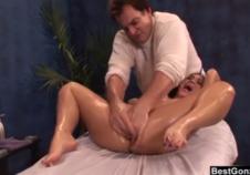 Un masaje que termina en sexo